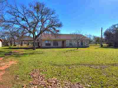 Burnet County Single Family Home For Sale: 204 Stirrup