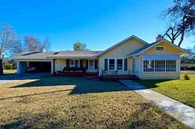 Lampasas Single Family Home For Sale: 808 W 1st