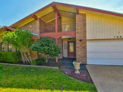 Burnet County Single Family Home For Sale: 1002 Ridge Point
