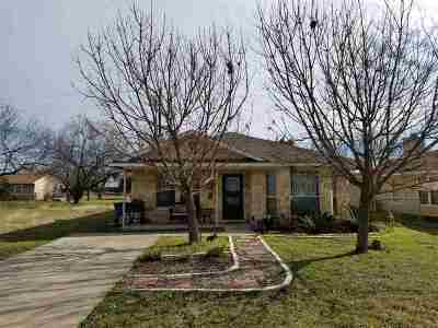 Cottonwood Shores Single Family Home For Sale: 835 Pecan Ln