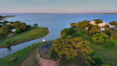 Bell County, Bosque County, Burnet County, Calhoun County, Coryell County, Lampasas County, Limestone County, Llano County, McLennan County, Milam County, Mills County, San Saba County, Williamson County, Hamilton County Single Family Home For Sale: 2930 261