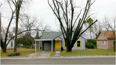 Lampasas County Single Family Home For Sale: 203 N Arnold