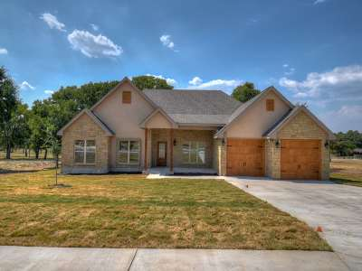 Burnet County Single Family Home For Sale: 104 Travis Trail