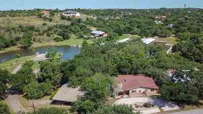 Bell County, Bosque County, Burnet County, Calhoun County, Coryell County, Lampasas County, Limestone County, Llano County, McLennan County, Milam County, Mills County, San Saba County, Williamson County, Hamilton County Single Family Home For Sale: 604 Sandy Harbor