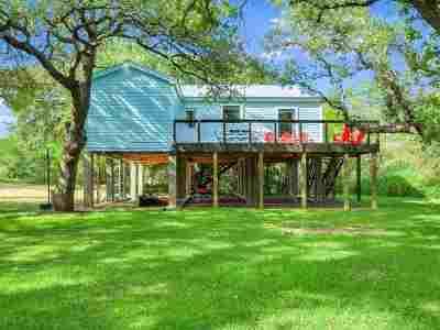 Single Family Home For Sale: 126 Wren