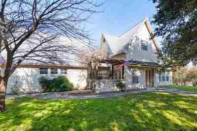 Kingsland Single Family Home Pending-Taking Backups: 4205 River Oaks Dr