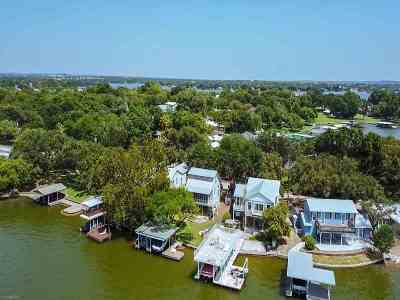 Sunrise Beach Single Family Home For Sale: 320 Granite Shoals