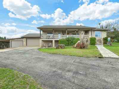 Horseshoe Bay Single Family Home For Sale: 107 Deerhaven Dr.