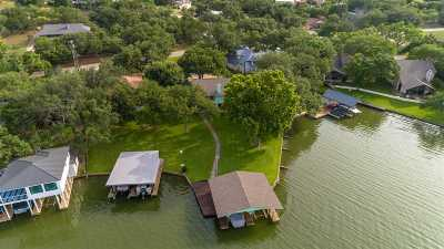 Single Family Home For Sale: 200 Blue Waters