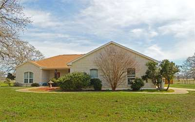 Burnet County Single Family Home For Sale: 241 Oxbow