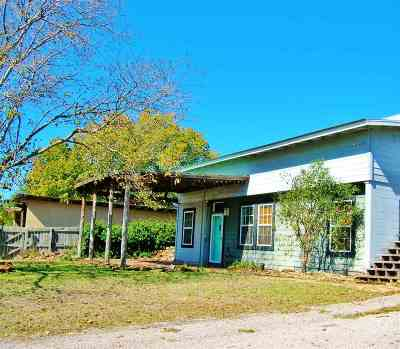 Marble Falls Single Family Home For Sale: 106 Hackberry
