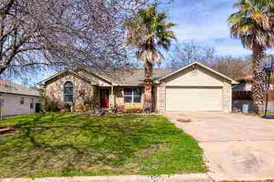 Marble Falls Single Family Home Pending-Taking Backups: 207 Villa Vista Way