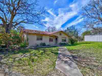 Kingsland Single Family Home For Sale: 2600 Quail Creek