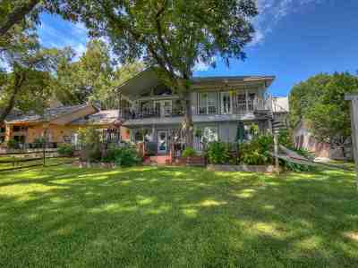Single Family Home For Sale: 126 Riverbend