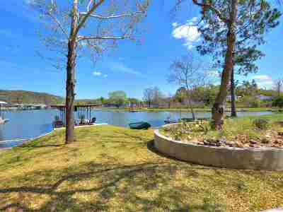 Kingsland Single Family Home For Sale: 817 County Road 126