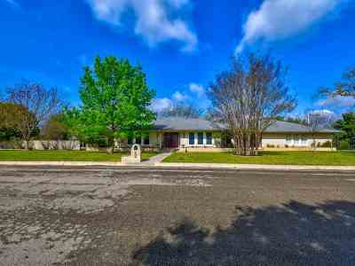 Lampasas Single Family Home For Sale: 106 Skipcha