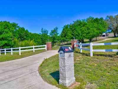 Sunrise Beach Single Family Home For Sale: 312 Sandy Mountain