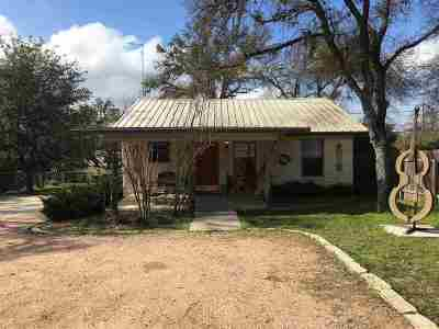 Marble Falls TX Rental For Rent: $1,500