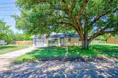Burnet County Single Family Home For Sale: 1115 Mulberry