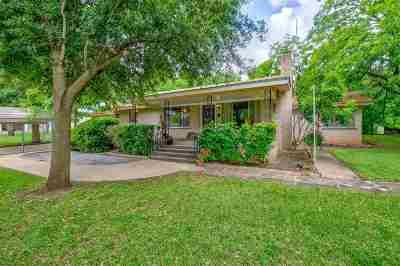 Marble Falls Single Family Home For Sale: 902 Louise