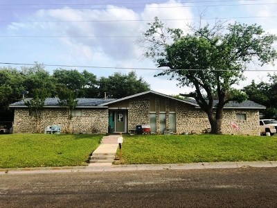 Lampasas County Single Family Home For Sale: 1210 W 1st St