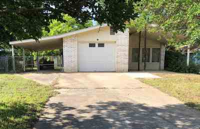 Kingsland Single Family Home Pending-Taking Backups: 1749 Bluebonnet