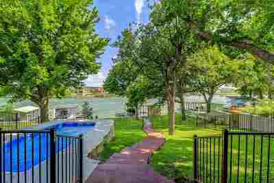 Bell County, Bosque County, Burnet County, Calhoun County, Coryell County, Lampasas County, Limestone County, Llano County, McLennan County, Milam County, Mills County, San Saba County, Williamson County, Hamilton County Single Family Home For Sale: 1498 Williams Lakeshore