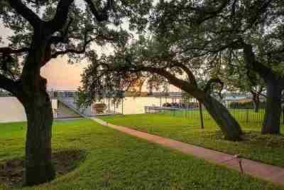 Kingsland Single Family Home For Sale: 126 Hidden Oaks Dr