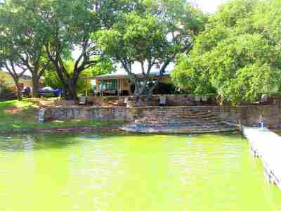 Bell County, Bosque County, Burnet County, Calhoun County, Coryell County, Lampasas County, Limestone County, Llano County, McLennan County, Milam County, Mills County, San Saba County, Williamson County, Hamilton County Single Family Home For Sale: 106 Live Oak