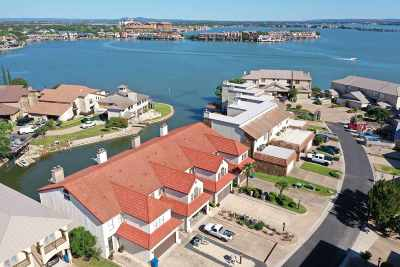 Burnet County Condo/Townhouse For Sale: 516 Horseshoe Bay North Blvd #2