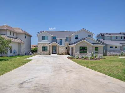 Burnet County Single Family Home For Sale: 104 Blue Heron