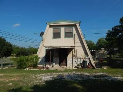Granite Shoals Single Family Home For Sale: 203 E Bluebriar