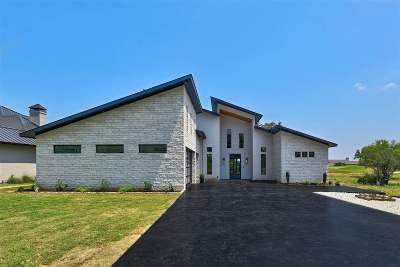 Horseshoe Bay Single Family Home For Sale: 212 Buffalo Peak
