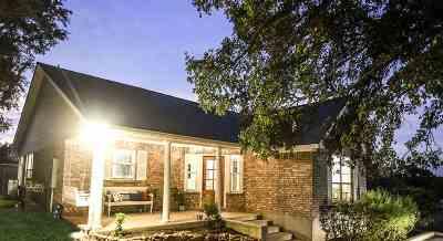 Horseshoe Bay TX Single Family Home For Sale: $327,500