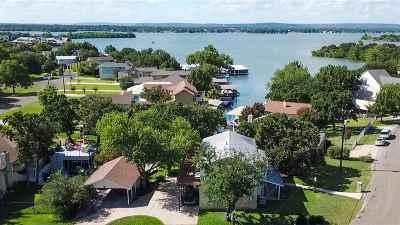 Horseshoe Bay TX Single Family Home For Sale: $560,000