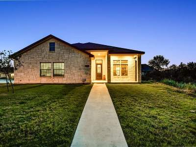 Marble Falls Single Family Home For Sale: 909 Canyon Oak
