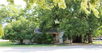 Marble Falls TX Single Family Home For Sale: $163,000