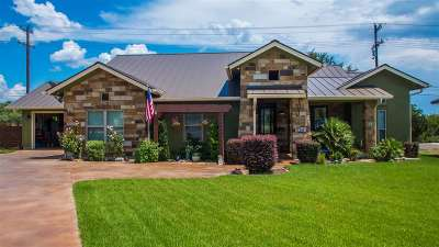 Marble Falls Single Family Home For Sale: 803 Lacey Oak