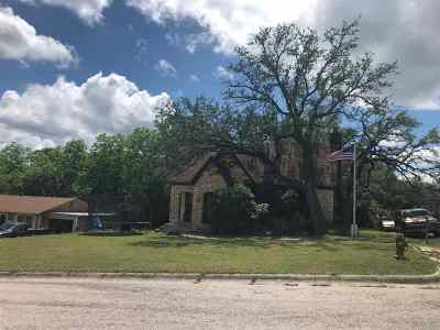 Lampasas County Single Family Home For Sale: 202 S Park St