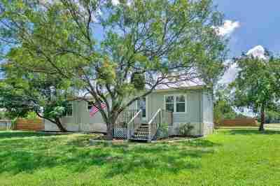 Burnet Single Family Home For Sale: 404 Navajo