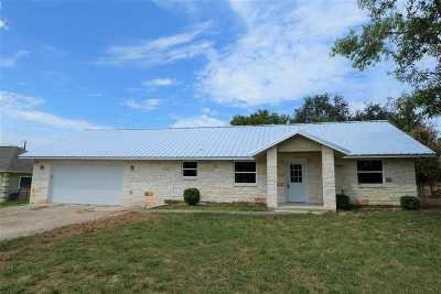 Kingsland Single Family Home For Sale: 215 McGee