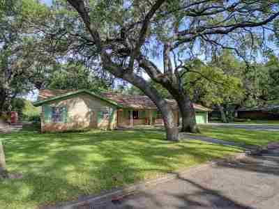 Marble Falls Single Family Home Pending-Taking Backups: 1106 Arbor Lane