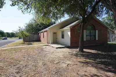 Marble Falls Single Family Home For Sale: 311 Ave Q