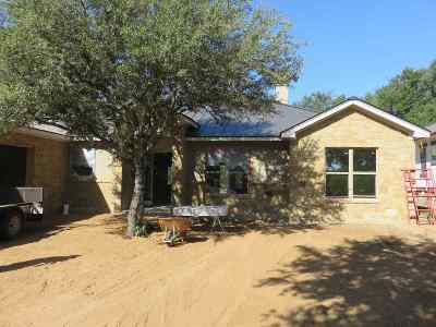 Horseshoe Bay Single Family Home For Sale: 201 Sweet Grass