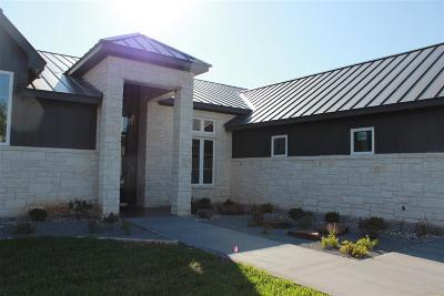 Horseshoe Bay Single Family Home For Sale: 150 Uplift