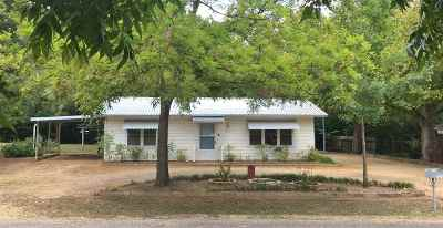 Marble Falls Single Family Home Pending-Taking Backups: 903 Edyth