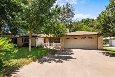 Kingsland Single Family Home For Sale: 530 Harris Loop