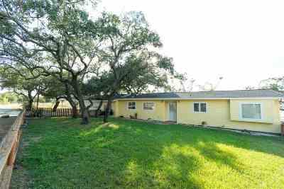 Burnet County Single Family Home For Sale: 106 Cr 142