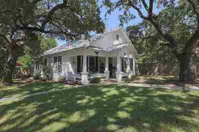 Burnet Single Family Home For Sale: 1200 N Water