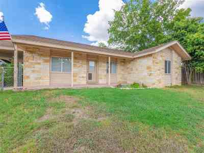 Burnet Single Family Home Pending-Taking Backups: 305 League